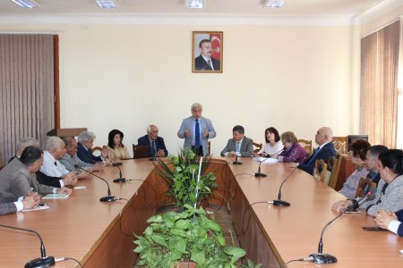 Round table on the occasion of the 96th anniversary of national leader Heydar Aliyev was held at the Institute of Philosophy