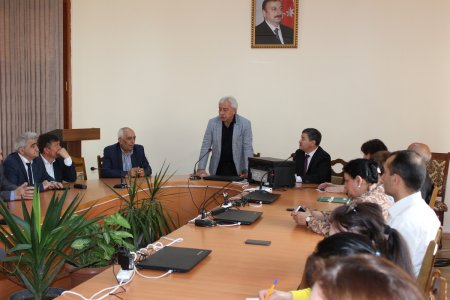 The Round Table on the Republic's anniversary was held at the Institute of Philosophy