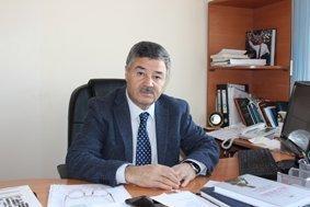 Heydər Əliyev zirvəsinə akademik baxış