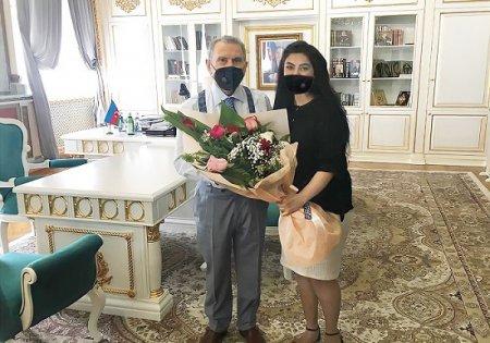 Akademik Ramiz Mehdiyev gənc alim Günel Məliklini qəbul edib