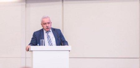 Профессор Ильхам Мамедзаде выступил на конференции «Пост COVID-19 и дизайн образования в перспективе 4-й промышленной революции»